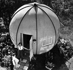 The 'Kugelhaus' home design by Egon Brütsch, November 1959 Round Building, Building A House, Outdoor Survival, Outdoor Gear, Somewhere In Time, Space Pirate, Dome House, Historical Pictures, Modern Materials