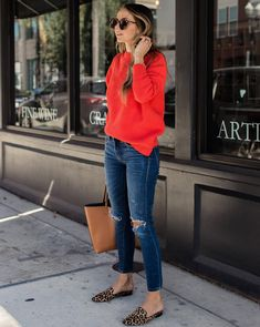 30 Casual Outfits Looks to Inspire Your Autumn Wardrobe - Loafers Outfit - Ideas of Loafers Outfit - cute outfit_red sweater ips bag loafers Red Sweater Outfit, Coral Sweater, Red Jumper, Loafers Outfit, Flat Mules Outfit, Blue Shoes Outfit, Leopard Loafers, Casual Loafers, Look Jean
