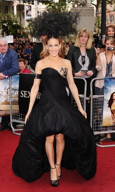 Sarah Jessica Parker Evening Dress - Sarah showed up her costars in an amazing black bustier gown with a rise and fall, bubble hem. Only SJP could get away with this dramatic look.