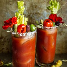 Roasted Red Pepper Bloody Mary Recipe by Heather Christo Best Bloody Mary Recipe, Bloody Mary Recipes, Yummy Drinks, Healthy Drinks, Refreshing Drinks, Mix Drinks, Party Drinks, Best Summer Cocktails, Sangria