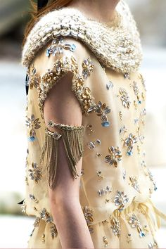 Details in the Chanel Cruise 2018 Collection