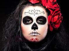 embedded_halloween-sugar-skull-face-design