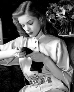 "gatabella: "" Lauren Bacall as a model in a jumpsuit sewing photographed by Louise Dahl-Wolfe, 1942 "" Old Hollywood Movies, Old Hollywood Glamour, Hollywood Actor, Vintage Glamour, Hollywood Stars, Classic Hollywood, Vintage Vanity, Hollywood Actresses, Lauren Bacall"
