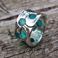 """Silver ring with beach glass.  Craftliners: Ring met """"zeeglas"""""""