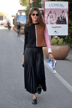 Modelagens mas curtas de suéter, no estilo cropped, deixam a dupla ainda mais charmosa.
