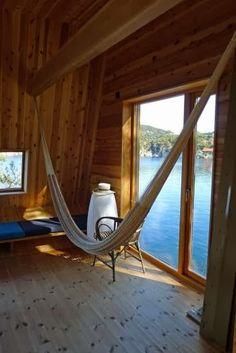 Scandinavian Retreat: Cabin Skåtøy