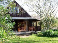 Marahau Holiday House - Marahau Holiday Home for rent Abel Tasman National Park, Entrance, Places To Go, National Parks, Cabin, House Styles, Holiday, Home Decor, Entryway