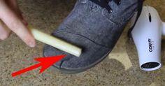Ella une con cinta adhesiva 2 dedos y revela un secreto que tus pies te van a agradecer.