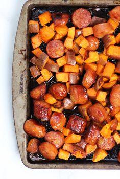 Sweet Potato & Pineapple Sausage Sheet Pan Dinner 33 Easy Pasta Recipes, Quick Dinner Recipes, Vegetarian Recipes Easy, Lunch Recipes, Appetizer Recipes, Breakfast Recipes, Healthy Recipes, Easy Meals, Potato Recipes