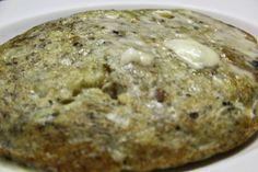 Vea nuestra carta, entre nuestras especialidades destacan la tortilla trufada, las croquetas de boletus, la lubina confitada en aceite de oliva...