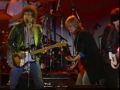Maggie's Farm- Bob Dylan & Tom Petty And The Heartbreakers, Willie Nelson (Farm Aid 1985) 4:00