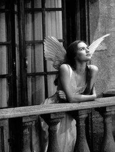 Clare Danes in Romeo and Juliet- she wasn't good at the role, though she was fabulous as Temple Grandin... perhaps she just needed more practice with Shakespeare....nonetheless, lovely photo.
