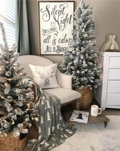 Are you searching for images for farmhouse christmas decor? Browse around this website for amazing farmhouse christmas decor inspiration. This kind of farmhouse christmas decor ideas looks totally amazing. Noel Christmas, Christmas Signs, Winter Christmas, Vintage Christmas, Cheap Christmas, Christmas Ideas, Christmas Cards, Christmas Movies, Christmas Tree For Bedroom