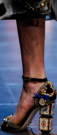 #2locos www.2locos.com Dolce & Gabbana SS2016 Women's Fashion