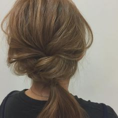 Simple easy hairstyles for school Easy Hairstyles For School, Hair Arrange, Love Hair, Hair Dos, Hair Designs, Pretty Hairstyles, Hair And Nails, Hair Inspiration, Short Hair Styles