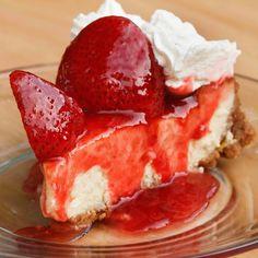 oh so creamy, mascarpone strawberry cheesecake