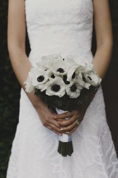 White anemone bouquet || A coral and navy urban Seattle wedding by Valley & Co. | Chantal Andrea Photography | Floressence | Herban Feast