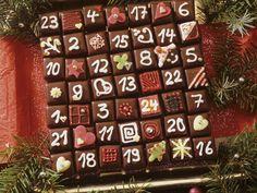 Dominostein-Adventskalender -  Zeit: 1 Std.   http://eatsmarter.de/rezepte/dominostein-adventskalender