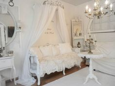 Shabby Chic elegance... Love so many features in this room!