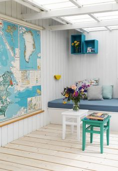 Colorfull decorating ideas and smart storage solution for a small house.