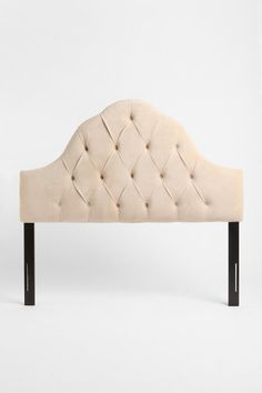 tufted@Caitlin Schweighart this has 16 buttons, doe's this look like what you want or is 10 buttons enough?