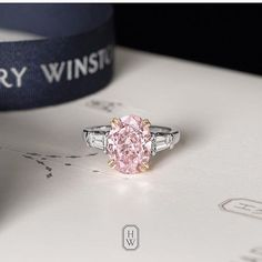 Incredibly precious and rare Harry Winston magnificent pink diamond is any bride's dream Pink Diamond Engagement Ring, Pink Diamond Ring, Tanzanite Engagement Ring, Pink Ring, Harry Winston Engagement Rings, Pink Wedding Rings, Wedding Bands, Unique Rings, Fine Jewelry