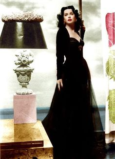 A very classic black look from the Vintage Hollywood, Old Hollywood Glamour, Hollywood Actor, Hollywood Actresses, Classic Hollywood, Vintage Tv, Hollywood Stars, Golden Age Of Hollywood, Classic Actresses