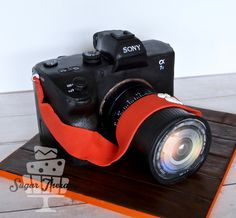 Sony A7s camera cake by Sugar Therapy.