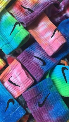 Custom Tie-Dye Nike Socks – new Ty Dye, Iphone 5c, Diy Tie Dye Shirts, Tie Dye Socks, Tie Dye Crafts, Bleach Tie Dye, Diy Vetement, Tie Dye Outfits, Socks