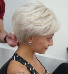 Long Ash Blonde Pixie for fine hair Short Grey Hair, Short Hair With Layers, Short Hair Cuts For Women, Short Cuts, Short Fine Hair Cuts, Short Hair Styles Easy, Gray Hair, Bob Hairstyles For Fine Hair, Pixie Hairstyles