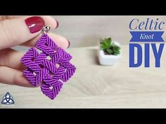 You will see How to make Macrame Celtic Knot Keychain. DIY Macrame Celtic Pendant can be used for all kind of decor. Macrame Earrings Tutorial, Earring Tutorial, Bracelet Tutorial, Macrame Colar, Macrame Knots, Crochet Keychain, Diy Keychain, Celtic Knots Diy, Magic Knot