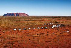 """Monte Uluru [Australia]: El gran monolito rojo. Uluru, el """"ombligo del mundo"""", es uno de los monolitos más grandes del planeta, con 9 km de contorno."""