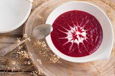 Receta de crema de remolacha con yogur, una receta muy fácil, sana y sabrosa.