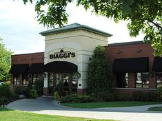 Looking for Champaign Italian restaurants near you? Come to Biaggi's Ristorante Italiano for house-made pastas, pizza, seafood, steaks, lunch and desserts.