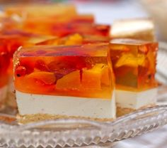 Как приготовить тортик желе-безе с ягодами
