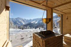 Exklusive Berghütte in den bayerischen Alpen bei Garmisch-Partenkirchen - Sauna und SPA Mountain Cottage, Mountain View, Hotel In Den Bergen, Outdoor Sauna, Sauna Design, Arch Interior, Lappland, Wellness Spa, Cottage Homes