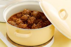 Porcupine meatballs ---- sooo easy and yummy. I used to make them reasonably small and the children loved them ! Mince Recipes, Beef Recipes, Dog Food Recipes, Cooking Recipes, Recipies, Mince Dishes, Beef Dishes, Porky Pine Meatballs, Great Recipes