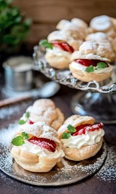 Tuulihatut | Maku Mini Desserts, Delicious Desserts, Yummy Food, Baking Recipes, Dessert Recipes, Finnish Recipes, Sweet And Salty, Food Pictures, Food Hacks
