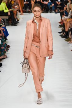 Tod's Spring 2019 Ready-to-Wear Collection - Vogue