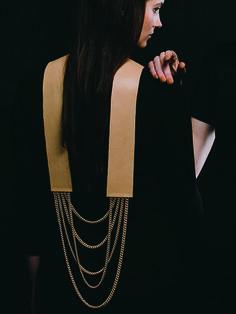 Agatha Waluga | Collection ReBreed 2015 | back neckpiece | Photo: Daniel Fuchs | Model: Thalia Killer
