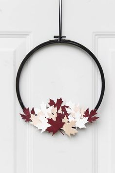 Modern Canada Day Wreath – Love Create Celebrate A beautiful modern hoop wreath for Canada Day! Using a simple embroidery hoop and balsa wood maple leaves, you can celebrate the birthday of Canada in style! Love the red, white, and black! Canada Day Fireworks, Canada Day Crafts, Canada Day Party, Black Wreath, Copper Mirror, Canada Holiday, Happy Canada Day, Simple Embroidery, Porch Decorating