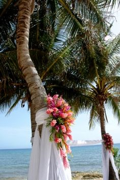 Nice idea for palm tree decorations and accents wedding beach, trendy wedding, beach ideas Beach Wedding Centerpieces, Beach Wedding Flowers, Tree Wedding, Wedding Ceremony, Wedding Ideas, Wedding Beach, Wedding Inspiration, Floral Wedding, Wedding Colors