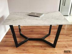 Carrara marble and steel dinning table / Mesa de comedor en marmol carrara + hierro
