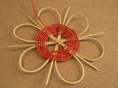 Medlovský klub tvoření - Návody - Květina z pedigu Paper Weaving, Basket Weaving, Diy And Crafts, Creations, Techno, Ornaments, Nature, Gifts, Handmade