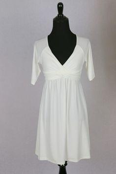 La Class White short sleeve knot dress