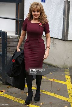 Carol Vorderman seen leaving The ITV Studios after presenting Loose Women on November 2012 in London, England. Sexy Older Women, Sexy Women, Carol Vorderman Pictures, Carol Vordeman, Tv Presenters, Tight Dresses, Celebrity Style, Mini Skirts, Susan Sarandon