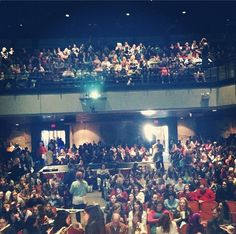 The crowd at @Veronica Roth & @Rae Carson's Keynote this morning. #yallfest - via kamigarcia