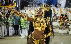 Escola é quinta a desfilar no segundo dia do Grupo Especial do Rio.. Galeria com 50 fotos em Carnaval 2015 no Rio de Janeiro.