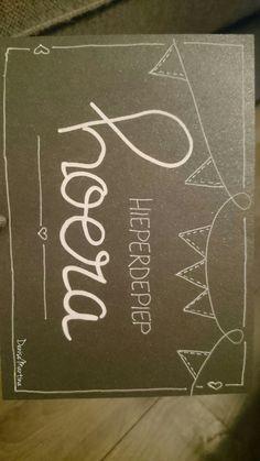 #Handletteren #handlettering #dutchlettering #verjaardag #hoera #DeniseMartina