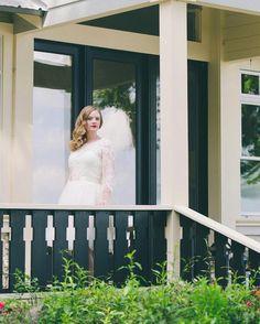 Kara looked stunningly gorgeous on her wedding day. Don't you agree? #eternalsightphotography #bride #weddingday #florida #floridawedding #southernwedding #chicvintageweddings #